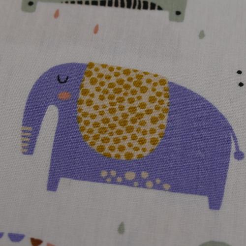 Tissu popeline de coton fond blanc imprimé animaux (0.9€/10cm)
