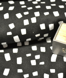 Tissu coton imprimé fond noir Stenzo