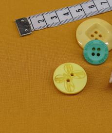 Popeline de coton ocre (0.7€/10cm)