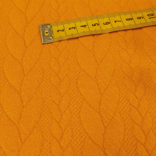 Maille jacquard torsadé ocre (10cm/1.25€)