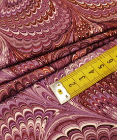Jersey de viscose imprimé psychédélique aubergine ( 10cm/1.5€)