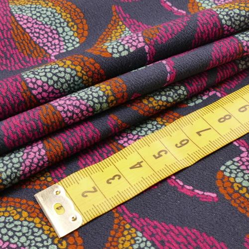 """Tissu fluide viscose """"colored figs"""" fond marine (10cm/2.6€)"""