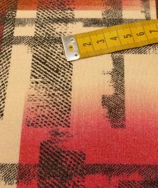 Jersey maille toucher Laine Graphique Rouge by Editex (10cm/2.65€)