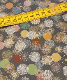 Coton imprimé mini-mandalas fond jeans A la Ville by Bittoun (10cm/2.15€)