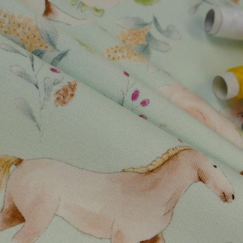 Jersey de coton cheval romantique de la marque Hilco (10.5€/50cm)