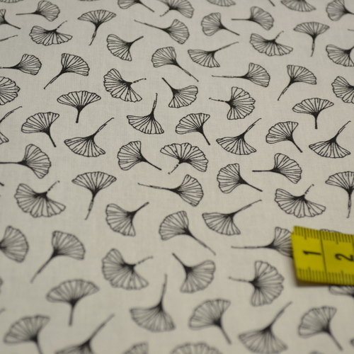 Tissu coton imprimé petits Ginko noirs