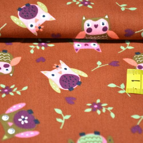 Tissu coton imprimé hiboux fond brique