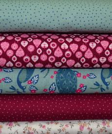 Tissu coton haut de gamme motifs rétro fuchsia/rétro (1.9€/10cm)