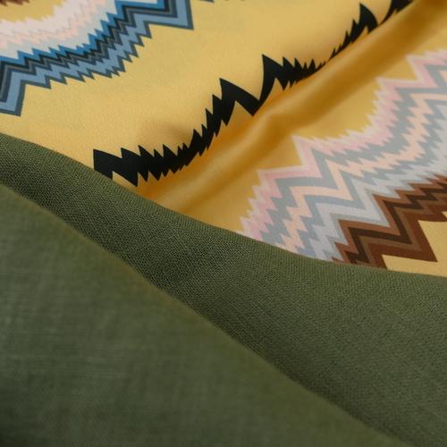 "Tissu lin haut de gamme vert kaki ""A la ville"" by Bittoun (2.6€/10cm)"
