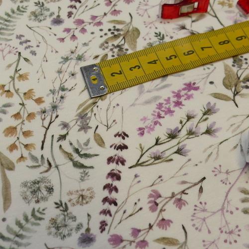 Jersey de coton brindilles sur fond blanc cassé (1.4€/10cm)