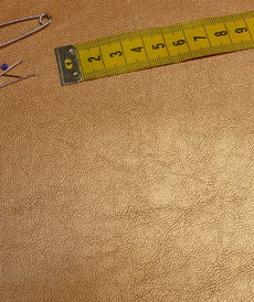 Similicuir or doré doublé à l'arrière (1.2€/10cm)