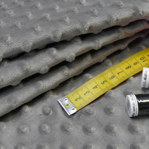 Minky à pois gris ( 0.99€/10cm)
