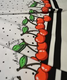 Jersey de coton imprimé à pois et bordures cerises Stenzo (1.39€/10cm)