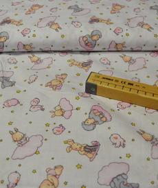 Tissu coton imprimé petits animaux sur nuages rose (0.9€/10cm)