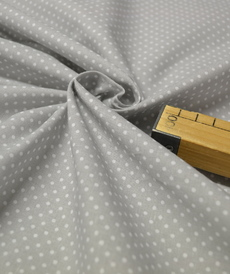 Tissu coton imprimé petits pois sur fond gris perlé (0.9€/10cm)